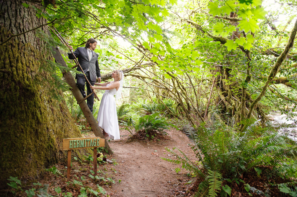 Thomas and christine treehouse point elopement wedding crozier